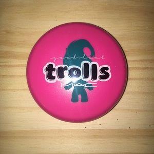 mac trolls beauty powder in shade glow rida